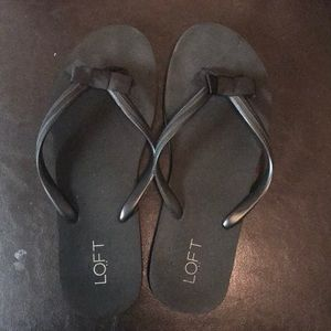 Black loft sandals